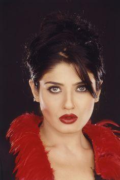 2003 Portrait of Indian film actress Raveena Tandon Beautiful Girl Indian, Most Beautiful Indian Actress, Beautiful Actresses, Beautiful Models, Beautiful Eyes, Indian Bollywood Actress, Indian Film Actress, Indian Actresses, Indian Celebrities