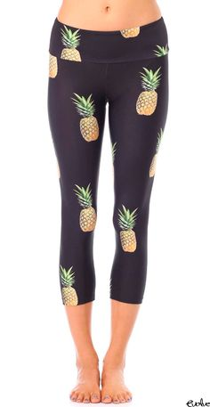Nothing says summer more than the Pineapple Party Capri Legging from Gold Sheep Clothing. Bold pineapples on black is the perfect look for your summer pool party, beach wear and go to gym style. Floral Leggings, Capri Leggings, Printed Leggings, Cheap Leggings, Yoga Leggings, Workout Leggings, Crazy Leggings, Mode Des Leggings, Leggings Party