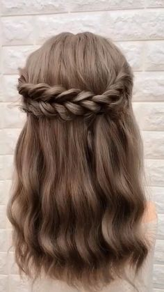 Step By Step Hairstyles, Easy Hairstyles For Long Hair, Hairstyles For Women, Easy Hairstyles For Medium Hair, Braids For Short Hair, Everyday Hairstyles, Hairstyles For Flower Girl, Cuts For Long Hair, Hair Cuts For Girls