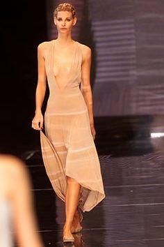 Giorgio Armani Spring 2002 Ready-to-Wear Fashion Show - Giorgio Armani