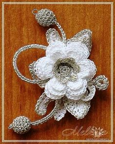 Gallery.ru / Photo # 40 - Knitted flower brooches - Alleta