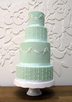 love this wedding cake mint love birds