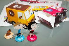 Para as crianças grandes também:   Legal mesmo são embalagens como esta, em que a gente pode transformar em brinquedo ou objeto decorativo!