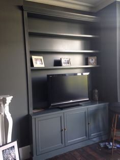Excellent Free victorian Fireplace Remodel Popular – Rebel Without Applause Alcove Ideas Living Room, Built In Shelves Living Room, Living Room Storage, Living Room Designs, Dark Living Rooms, Living Room Grey, Home Living Room, Living Room Furniture, Alcove Cupboards