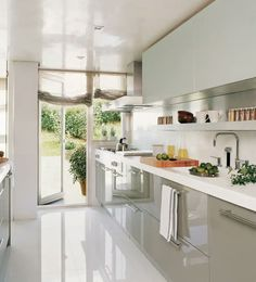 Galley Kitchen Remodel Ideas (Small Galley Kitchen Design, Makeovers, and Plans) Galley Kitchen Design, Small Galley Kitchens, Galley Kitchen Remodel, Interior Design Kitchen, New Kitchen, Home Kitchens, Kitchen Dining, Kitchen Decor, Kitchen Ideas