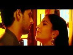 kissing  Katrina kaif and Sidharth Malhotrain ||Baar Baar Dekho .