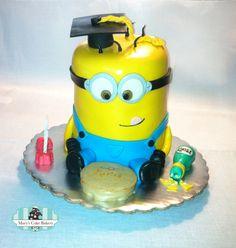 Graduate Minion Cake - Mary's Cake Bakery #minioncake #despicablemecake