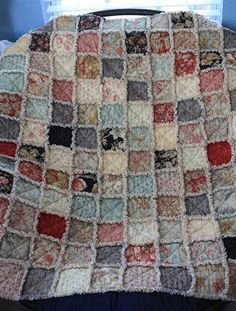 Luna Notte Rag Quilt - love these I've made several variations on the raggedy edge quilts. Making a baby one now.