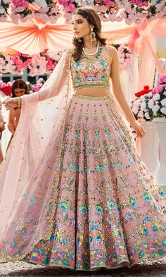 Burn down the floor with fire, well not really but just look at this look, the smokey grey lehenga with the red roses is a very fiery combination, it really turns up the temperature in the room. Designer Bridal Lehenga, Bridal Lehenga Choli, Wedding Lehnga, Lehenga Saree, Bouquet Wedding, Anarkali, Indian Bridal Outfits, Indian Designer Outfits, Indian Gowns Dresses
