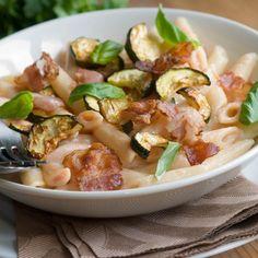 Pennette con zucchine e pancetta, la ricetta veloce