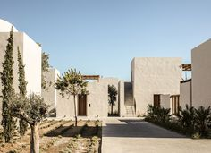 Casa Cook Kos: A Relaxing Beachside Hotel on a Greek Island (Gravity Home) Hotels In Kos, Beach Hotels, Hotel Grecia, Casa Cook Hotel, Greece Resorts, Architecture Design, Contemporary Architecture, Gravity Home, Villa