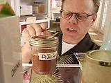 Alton Brown's Dulce de Leche:  1 qt. whole milk  12 oz. sugar (approx. 1 1/2 c.)  1 vanilla bean, split & seeds scraped  1/2 tsp. baking soda