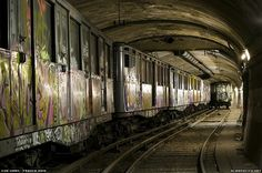 6 of Paris' Abandoned Metro Stations and an Abandoned Tunnel with Vintage Trains « Untapped Cities