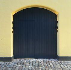 The gate into Kadeau. Kay Bojesen Grand Prix cultery at the Michelin restaurant Kadeau in Copenhagen. Danish Design, Cutlery, Grand Prix, Copenhagen, Gate, Restaurant, Outdoor Decor, Home Decor, Restaurants