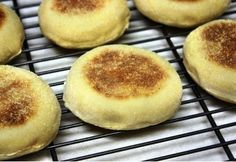 English muffin Muffin, Bakery, Cooking Recipes, Pudding, Yummy Food, Favorite Recipes, Bread, Breakfast, English