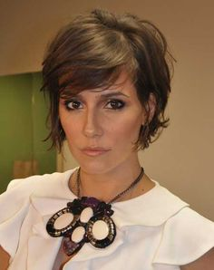 Corto en capas Peinados Bob kurze haare stufen 40 Short Layered Haircuts for Women Layered Haircuts For Women, Layered Bob Hairstyles, 2015 Hairstyles, Short Hair Cuts For Women, Short Hairstyles For Women, Short Cuts, Wedding Hairstyles, Popular Haircuts, Bun Hairstyles