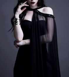 Black gown with sheer half cover. Dark Fashion, Gothic Fashion, Yennefer Of Vengerberg, Glamour, Visual Kei, Harajuku, Grunge, Indie, Kawaii