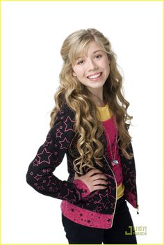 Sam Puckett, Carly's BFF :) she looks so young!