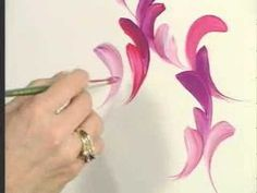 Donna Dewberry teaches you how to use a round brush