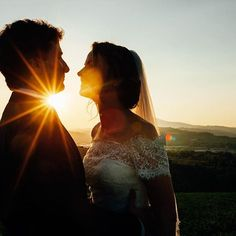 This light ☀️✨• • • #alicecoppolaphotography #lovely #sunset #sunset_pics #sunsetlover #abruzzo #italy #weddinginitaly #weddingday #weddingsunset #intimatewedding #destinationwedding