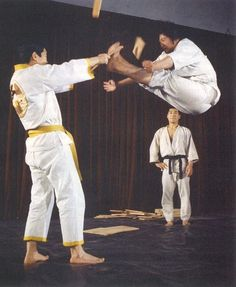 Sammo Hung practicing the Hapkido double kick behind the scene from the movie Hapkido with Angela Mao.