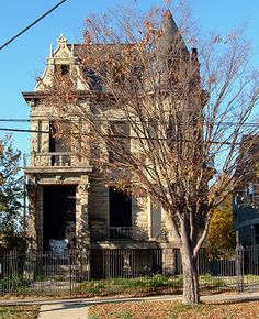 Franklin Castle, one of Ohio's most notorious haunted places.  For some reason, spooky old houses fascinate me.