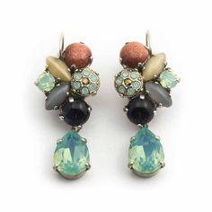 Koop deze bijzondere oorbellen van Moliere Paris bij Aurora Patina, de leukste sieraden webshop van Nederland.