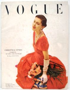 Model Barbara Mullen seated in damask-like dinner dress with mums by her side Get premium, high resolution news photos at Getty Images Vogue Magazine Covers, Vogue Covers, Anna Wintour, Vintage Glam, Vintage Vogue, Cecil Beaton, Vintage Fashion Photography, Teen Vogue, Vintage Magazines