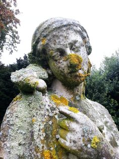 EEnglish Heritage Brodsworth Hall statue cleaning, stone cleaning and conservation before any treatments