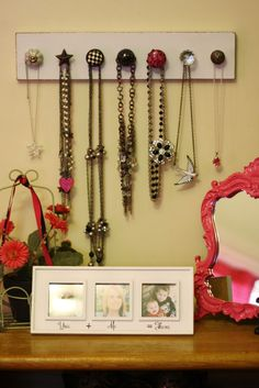 The Bow-shaws: DIY Necklace Holder (I really need to make one for Christina!)