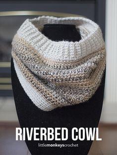 Riverbed Cowl Crochet Pattern | Free cowl crochet pattern by Little Monkeys Crochet
