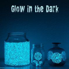 glow in the dark / mit Leuchtfarbe dekorieren