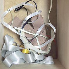 Today's stuff. ribbons #paper #workshop #artbook #zine #bookbinding #bookdesign #artistbook #paperstuff #ワークショップ #本 #紙もの #製本 #ribbon