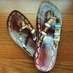 23d547e2d2d2 Louis Vuitton Sandles Excellent Condition These are gorgeous!    she wore  them once
