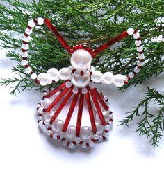 Vánoční andílek  červeno-bílý