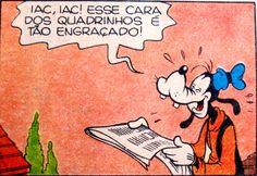 Pateta lê os quadrinhos do jornal