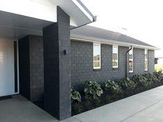 Premier Country Brick Straight Edge in Black Magic - House bricks NZ premium house brick cladding, brick house exterior,house brick ideas,house brick colors,house bricks design Grey Brick Houses, White Exterior Houses, House Paint Exterior, Dream House Exterior, Exterior House Colors, Modern Exterior, Stained Brick Exterior, Painted Brick Exteriors, Style At Home