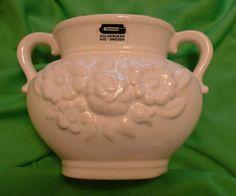 Vintage GULDKROKEN HJO Sweden - Swedish white / Ivory VASE pot