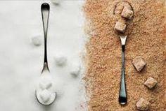 ATTENZIONE!Lo zucchero bianco è trattato con anidride carbonica e acido solforoso per la cristallizazione,provoca danni all'organismo.Quello di canna è sano