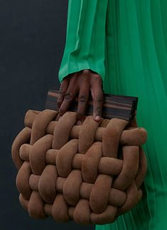 Fashion Bags, Fashion Accessories, Fab Bag, Macrame Bag, Basket Bag, Fabric Bags, Knitted Bags, Luxury Bags, Beautiful Bags