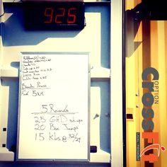 2014-07-22 #WOD #optioncrossfit #run #pushup #benchpress #GHD #sit up #box jump #KBS