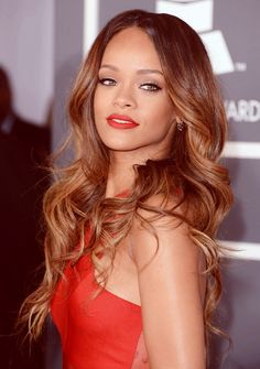 Rihanna's new hair is gorgeous. love this color