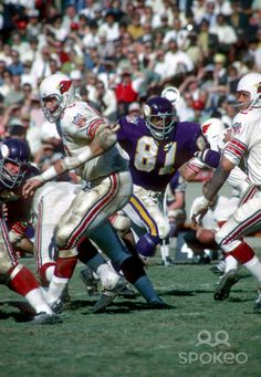 Carl Eller #81 of the Minnesota Vikings in action against the St. Louis Cardinals.