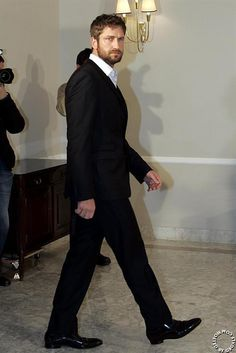Gerard Butler: Madrid, Spain - March 30, 2010. Sometimes I forget he's so tall. Here's all 6 foot 2 inches of him. Yummy!