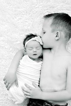 Ideas Photography Kids Studio Newborn Shoot For 2019 Foto Newborn, Newborn Shoot, 2 Baby, Baby Girl Newborn, Baby Born, Newborn Baby Photography, Children Photography, Photography Poses, Family Photography