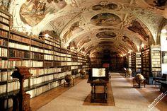 Кементинум, Klementinum, достопримечательности Праги, Прага, Чехия Klementinum Ptague old library book