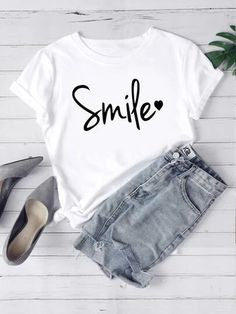 To find out about the Heart & Letter Graphic Tee at SHEIN, part of our latest T-Shirts ready to shop online today! Printed Tees, Printed Shorts, T Shirt Painting, Fashion News, Fashion Outfits, T Shirts For Women, Clothes For Women, Types Of Sleeves, Short Sleeve Tee