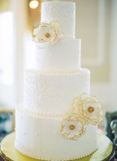 Wedding Cake | This St. Augustine wedding just keeps getting better and better!  Jennifer Blair Photography | Cake by Sweet Weddings |  http://www.StyleMePretty.com/southeast-weddings/2014/02/06/romantic-wedding-in-historic-st-augustine/