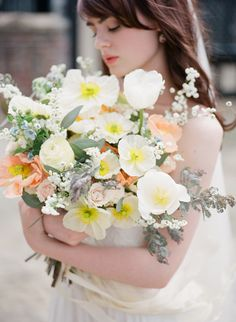 Delicate Outdoor Bridal Session Ideas | Wedding Sparrow | Mary Neumann Photography