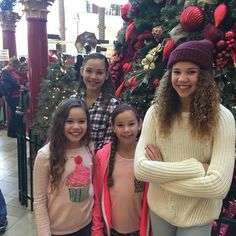 Santa photos Hashtag Sisters, Sister Songs, Celebs, Celebrities, Youtubers, Guys, Families, Photos, Pictures